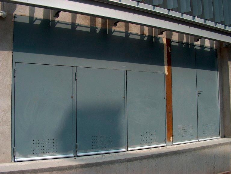 Puertas batientes tecnivall - Pintar puerta galvanizada ...